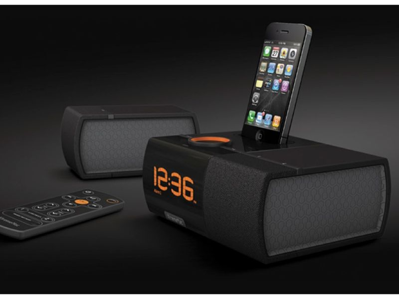 xtrememac luna sst bedside radio alarm clock ipod iphone dock speaker syste. Black Bedroom Furniture Sets. Home Design Ideas